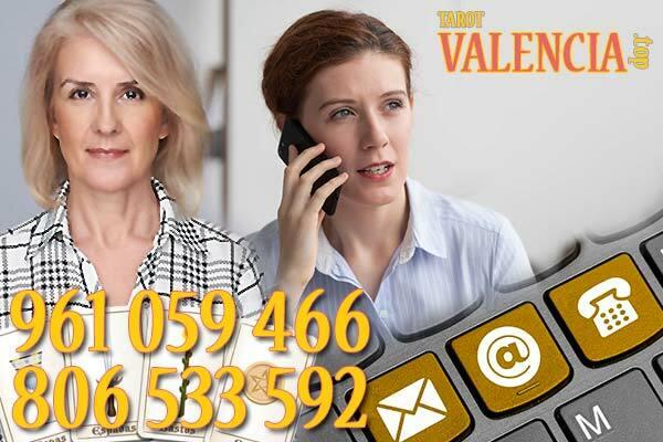 Comunícate telefónicamente con una de nuestras videntes